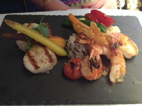 Conti Caffe: Scallops and Shrimp w/ Grilled Pineapple Salsa and Pesto Rosso Limoncello