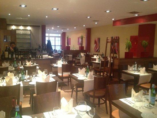 Casa-Nostra Italienisches: Casa Nostra Restaurante 3