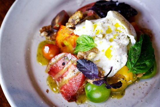 Houston's: Burrata Salad