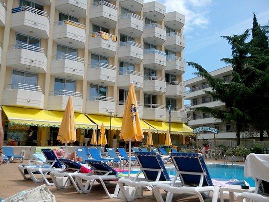 Hotel GHT Oasis Tossa & SPA : vue de la piscine