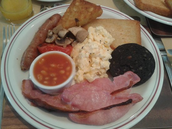 Ashburton House: lovely breakfast