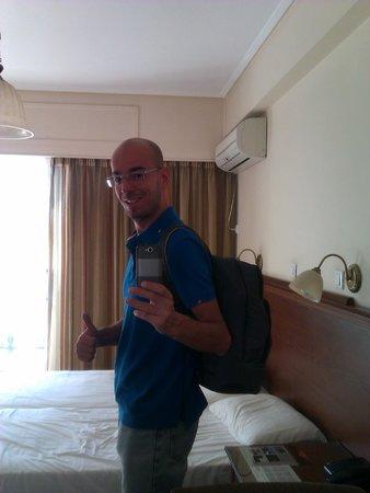 Apollo Hotel: room