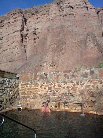Ojo Caliente Mineral Springs Resort and Spa: cliffside pool