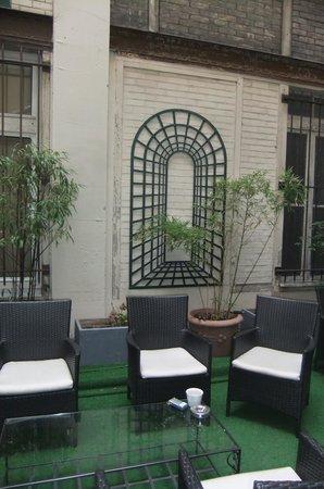 Hotel Villa Margaux Opera Montmartre: Innenhof