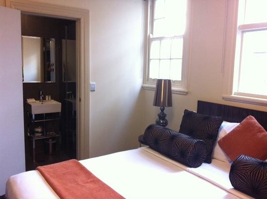 The Bayswater Sydney: small room, small bathroom, but good size bed