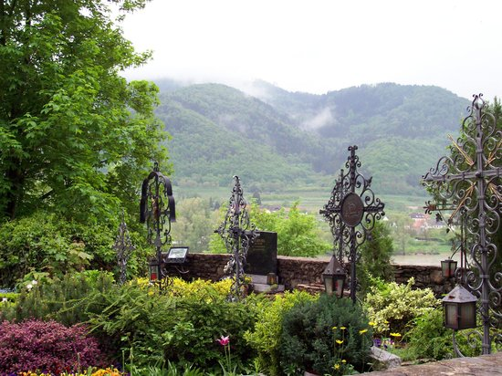 Wachau Valley: View of the valley from St. Michael