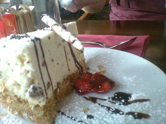 Rowan Tree Cafe Bar: Toblerone Cheesecake