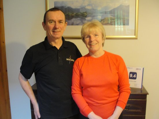 Mavisburn Bed & Breakfast: Elaine and John