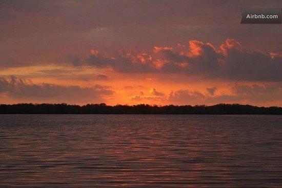 Villa Carino & Wakeboard Paradise : lagoon sunset