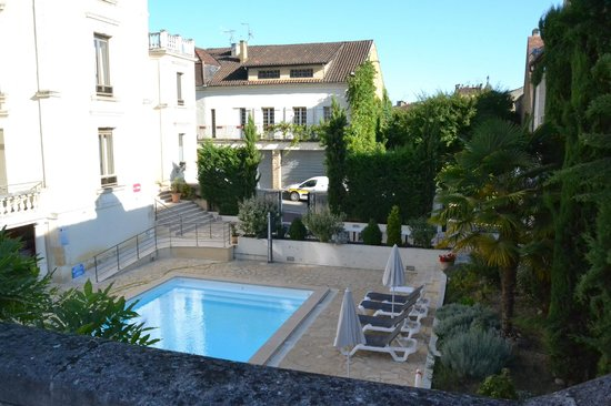 BEST WESTERN Le Renoir: espace piscine