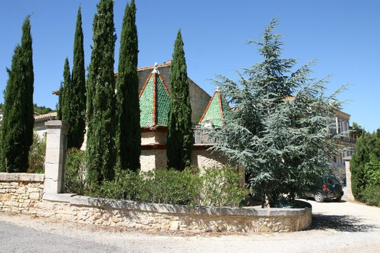 Chateau Haute-Fontaine : Chateau grounds