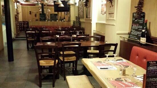 restaurant chez papa bastille photo de chez papa paris tripadvisor. Black Bedroom Furniture Sets. Home Design Ideas