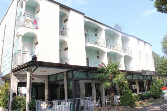 Hotel Giamaika: Hotelansicht