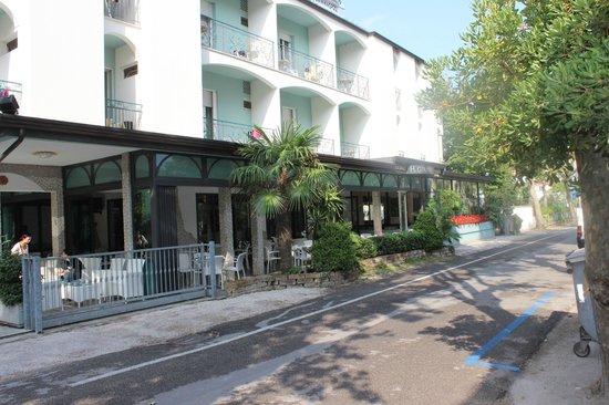 Hotel Giamaika : Aussenansicht