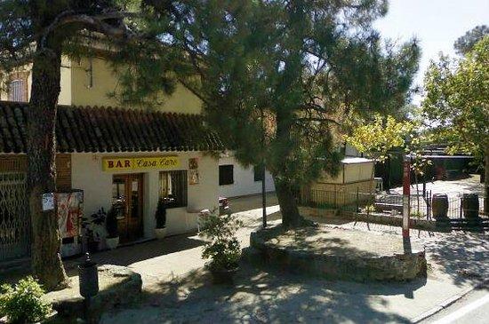 Restaurante Casa Caro: Fachada del restaurante y terraza
