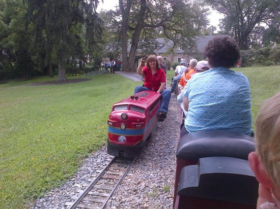 Auburn Heights Preserve: Diesel Trains