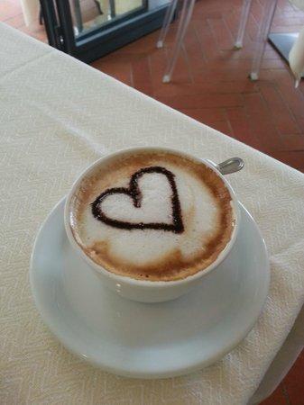 Villa I Barronci: Cappuccino at breakfast