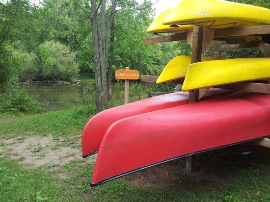 River Bend Nature Center: Canoes and kayaks for rent