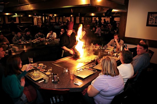 Kabuki Japanese Steak House : Our head chef Michael - Come for the show!