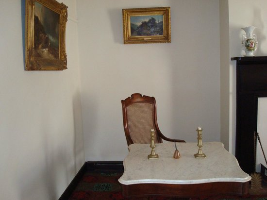 Appomattox Court House National Historical Park: The Marble Table Used By  General Lee