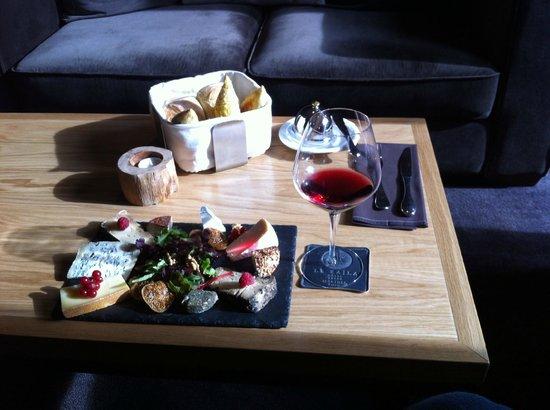 Le Kaila : Massive cheese plate treat