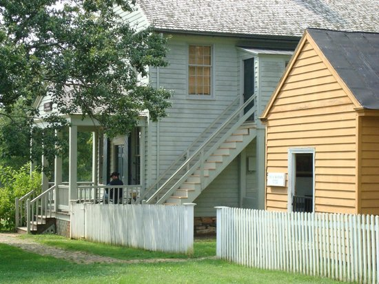 Appomattox Court House National Historical Park: Meeks Store & Woodson Law Office