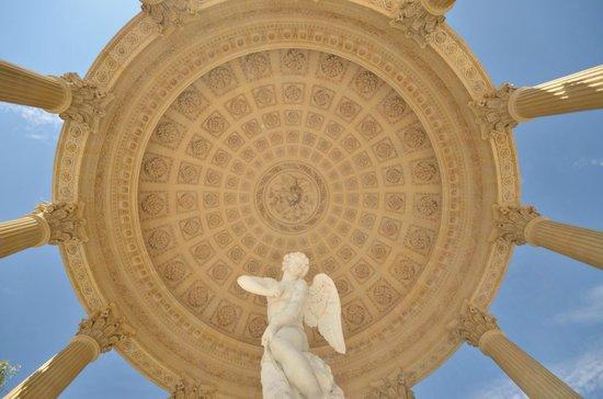 Temple of Love: Temple de l'amour