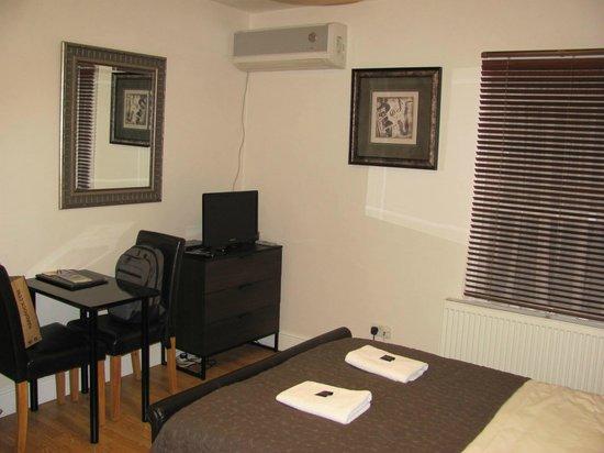 Aviva Studio Apartments: Studio 6