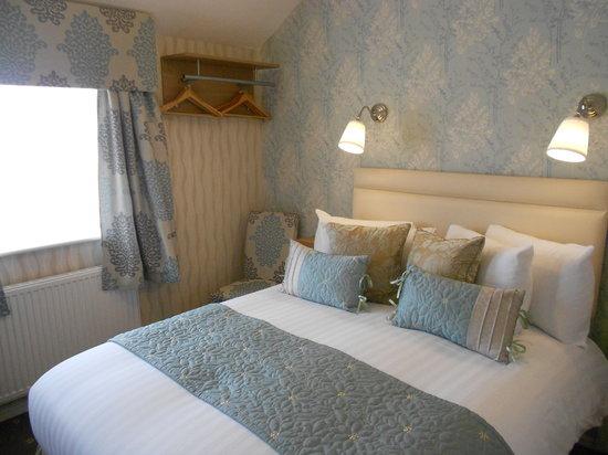 The Corona: en suite double room
