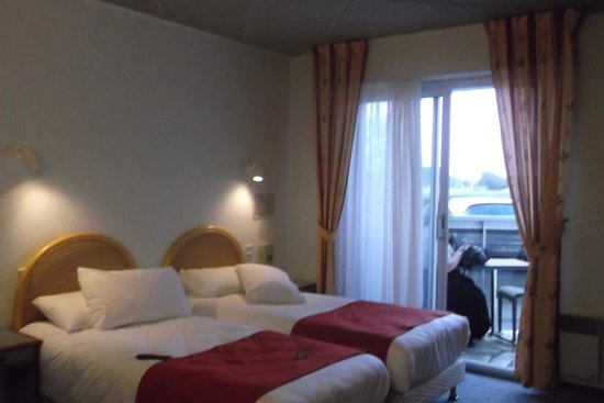Hotel-Restaurant l'Albatros : Chambre avec terrasse vue sur mer
