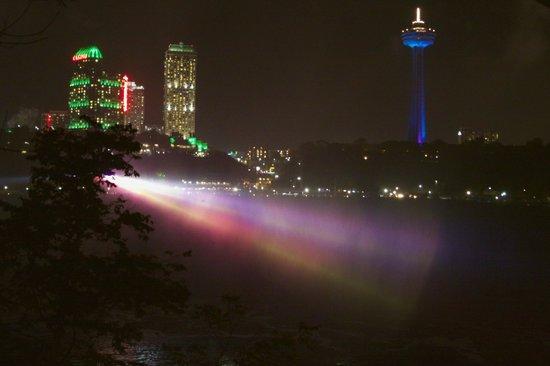 Niagara Falls Walking Tours: Niagara Falls, Ont across the Niagara River