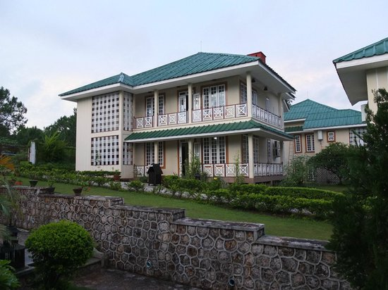 Pine Hill Resort, Kalaw: grounds of the hotel