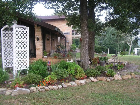 The Secret Bed and Breakfast Lodge : View from the back