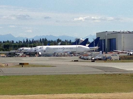 Future of Flight Aviation Center & Boeing Tour: Dream Lifter(s)