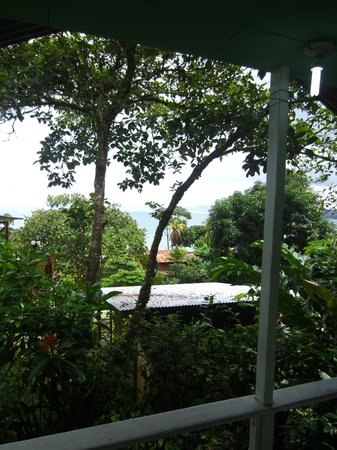 Jade Mar Cabins: VIew from our private balcony.  The sound of the ocean.