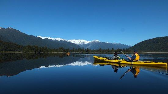 Glacier Country Kayaks : Anyone need a mirror?