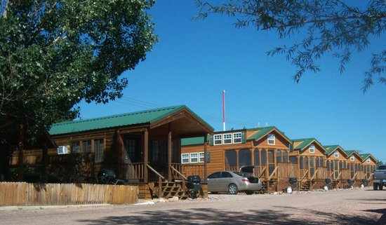 Colorado Springs KOA : Deluxe Cabins - Bathrooms, Kitchen, TV, Screened in Porch