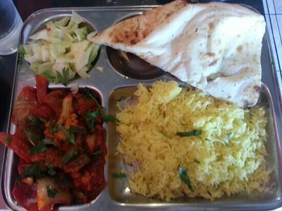 Lachi - Fine Indian Cuisine: vegetable vindaloo lunch special