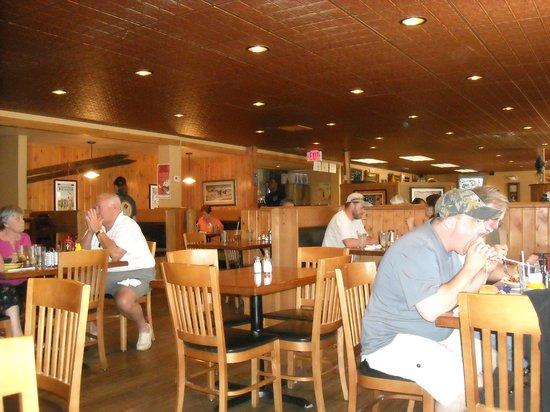 Buffalo Cafe & Nightly Grill : Dining Area