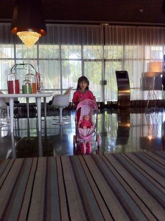 Hotel Medium Valencia: Recepción