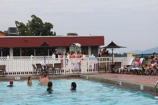 The Georgian Lakeside Resort: Pool