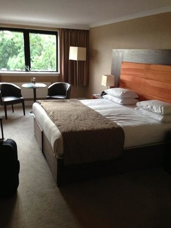 Edinburgh Capital Hotel: great sized double bed!