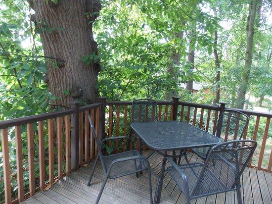 Woodland Holiday Park: Sitting Area outside