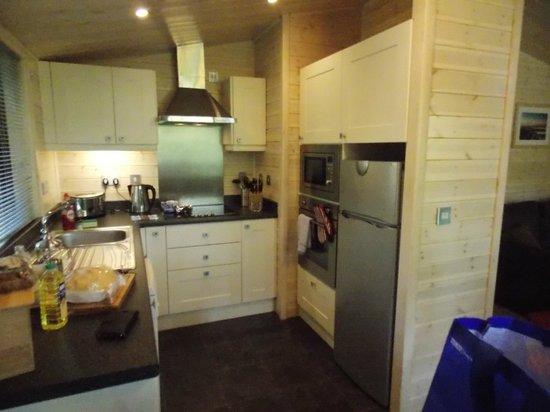 Woodland Holiday Park: Kitchen