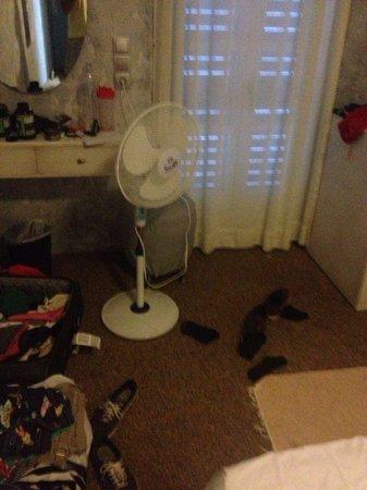 Ilio Maris Hotel : no air condicioner working
