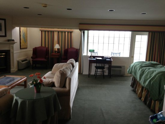 Bay Point at Mill Falls: suite