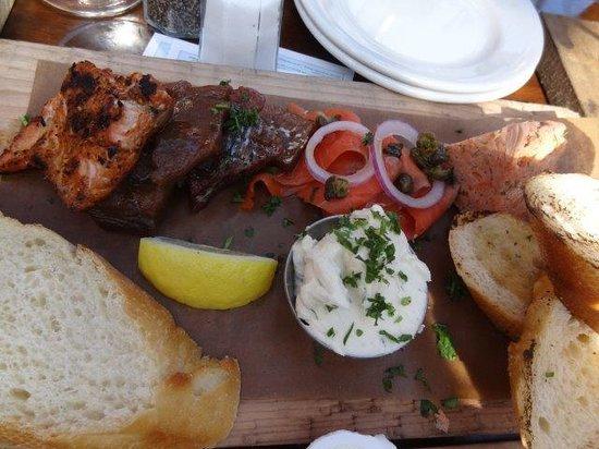 Prospect Point Restaurant: salmon to share