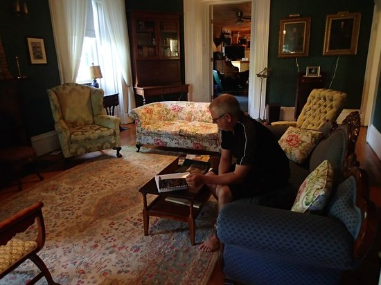 Spruceholme Inn : Living Room