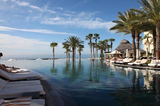 Hilton Los Cabos Beach & Golf Resort: Infinity pool