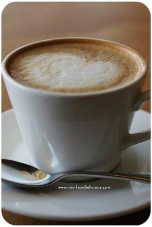 No 4 Blake Street: Flat White Coffee  ツ